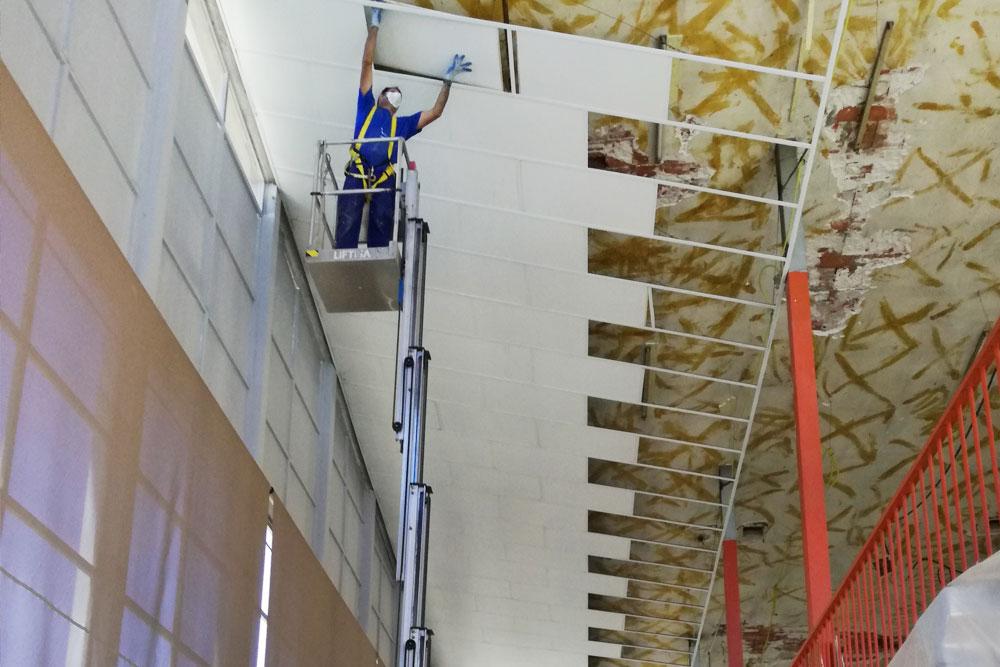 Instalación de falso techo en Residencia de la Comunidad de Madrid