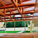 Suministro y montaje de pavimento de madera inoko en el Pabellón de Cartón del Instituto de Empresa