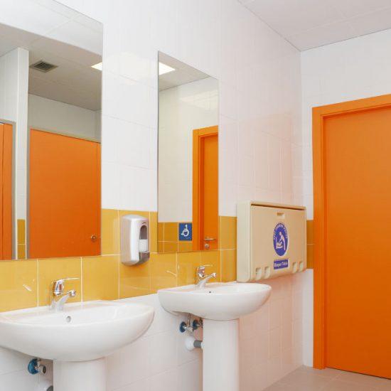 Reforma de baños accesibles en Centro de Atención a Personas con Discapacidad