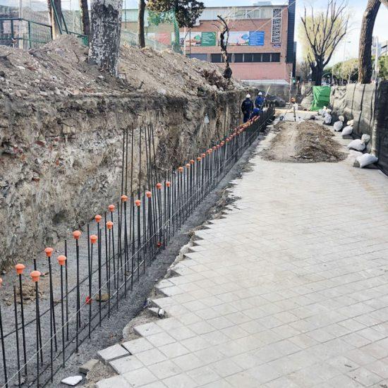 Construcción de muro de hormigón